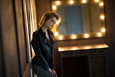 Lera** Девушка студия искусственный свет зеркало блондинка