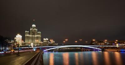 Москворецкая набережная с видом на высотку Москва Дом на Котельнической набережной Московорецкая набережная зима