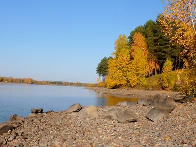 Осень у озера.