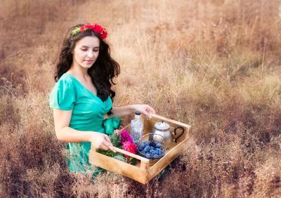 Подражая бохо бохо девушка поле