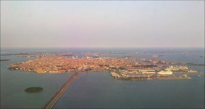 под небом голубым... небо река море город девушка самолет