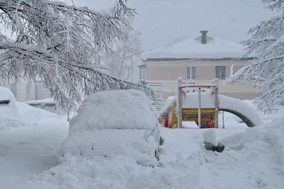А у нас во дворе Снег зима циклон сахалин