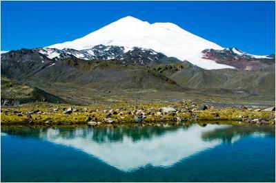 4 вершины Эльбрус, Кавказ, озеро, горы