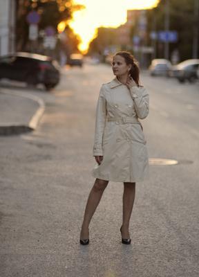 *** Закат Вечер Тюмень Улица Девушка Плащ Sunset Tyumen Street Girl Trench coat