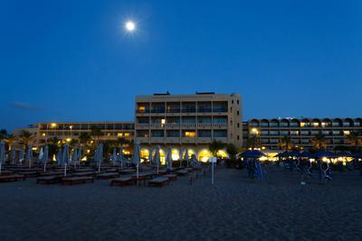 Ночной отель.
