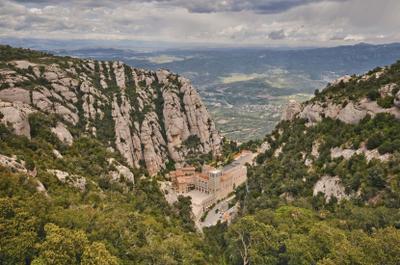 Montserrat каталония испания монсеррат монастырь архитектура