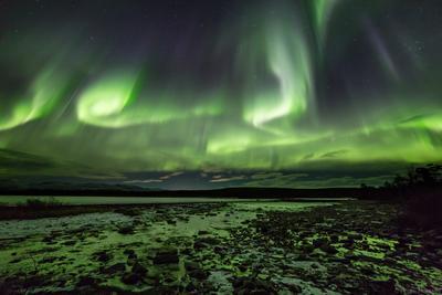 Отлив полярное северное сияние ночь берег