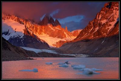 Холодное пламя рассвета Argentina, Cerro Torre, South Patagonia, Аргентина, Южная Патагония