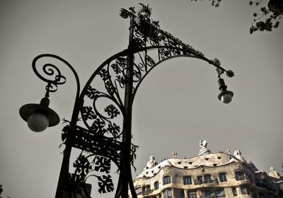 Где-то у Каса Мила барселона, каса мила, дом мила, город, путешествия, гауди, фонарь