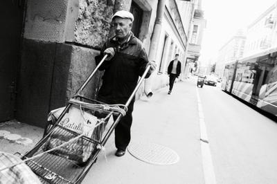 life жизнь улица работа различие люди пожилой молодой мысли Россия Сана-Петербург