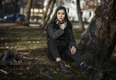 Лаура! Девушка осень природа город.естественный свет