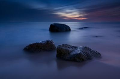 Тёплой ночью море ночь камни балтика пейзаж германия