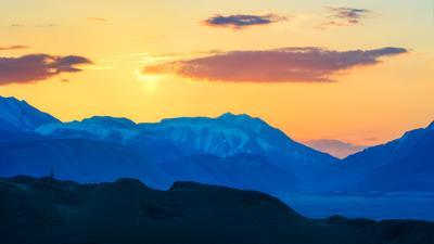 Рассвет в Алтайских горах... пейзаж Алтай горы рассвет