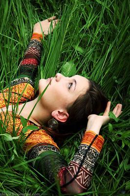 Высокие травы трава, лето, девушка, взгляд_в_небо