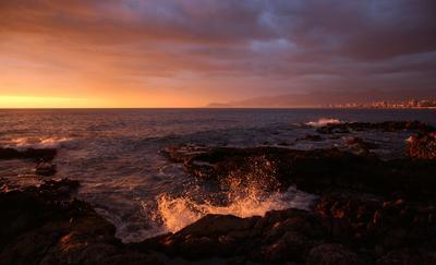 Алания!!! море закат волны вечер город облака
