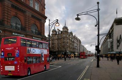 Оксфорд-стрит Лондон Окфорд-стрит красный автобус