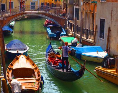 Прогулка на гондоле. Венеция. Италия венеция каналы