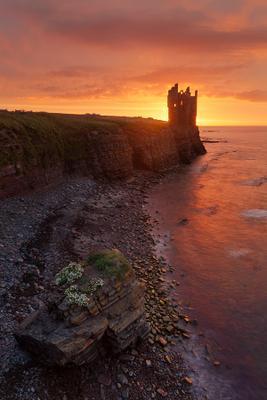 The Castle of the Rising Sun Шотландия замок рассвет Scotland castle sunrise