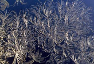 Зимние узоры мороз стекло узор зима