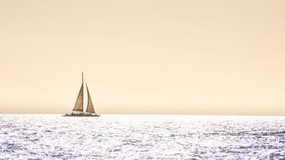 Яхта Яхта море солнце блики