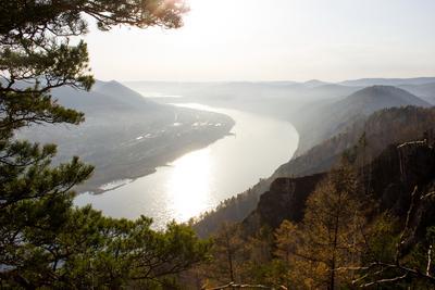 *** Река горы осень