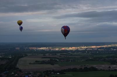 Запускали в небе шарики.... воздушный шар