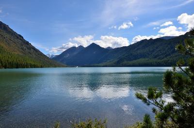 нижнее Мультинское озеро, взгляд к вершине