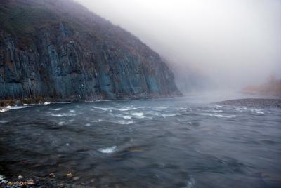 Вливаясь в туман.... Туман река тишина