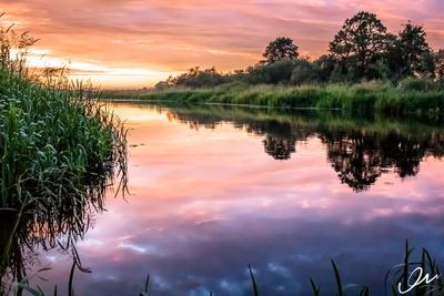 Закат на реке Река закат