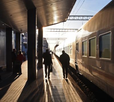 Поезда приходят и уходят, даже если этого не ждешь (с) поезд железная дорога путь