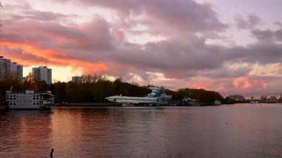 Красный закат... Химкинское водохранилище Экраноплан закат Тушино