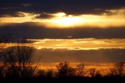 Триединство небо, закат, весна
