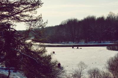 Рыбаки рыбалка зима пейзаж люди река снег ясинский