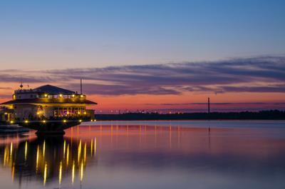 Ресторан Поплавок Ресторан ночной пейзаж закат