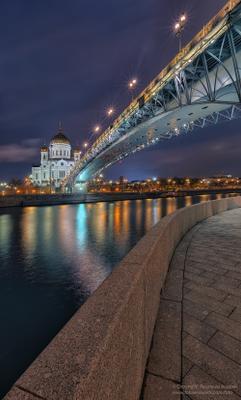Набережная - река - мост - храм. храм христа_спасителя мост патриарший васильев_андрей
