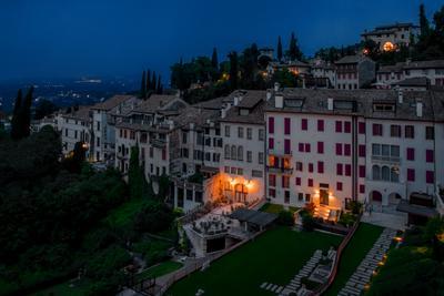 Ночь в Ассоло. Северная Италия