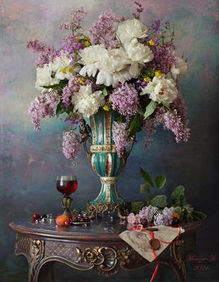 Натюрморт с пионами и сиренью цветы пионы сирень букет