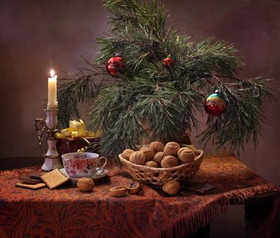 Новогодние сладости натюрморт печенье орехи новый год рождество елка