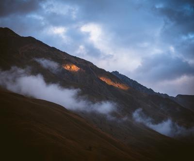 Приэльбрусье Приэльбрусье Чегет горы солнце небо облака свет