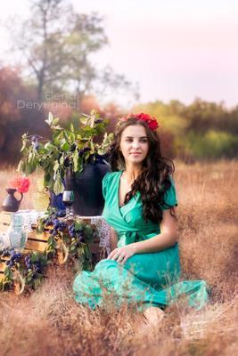 Подражая Бохо бохо девушка поле природа