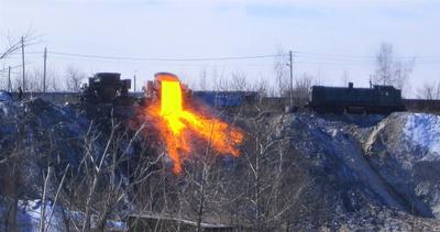 Слив шлака Шлаковоз шлак карьер завод весна