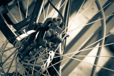 *** велосипед колесо спицы тормоза