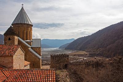 Крепость Ананури, Грузия Грузия Ананури Военно-грузинская дорога Мцхета