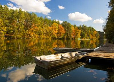 """""""...Как лодку назовешь, так она и поплывет..."""" Лодки, пруд, водоем, пейзаж, осень"""