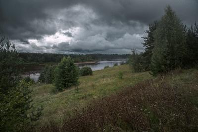 Дело к осени... река лето день берерг