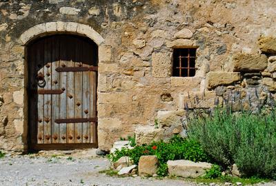 Двери - Тюрьма