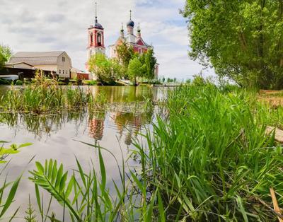 ....... Переславль-Залесский .Весна .Река .Храм .Фото Сайт