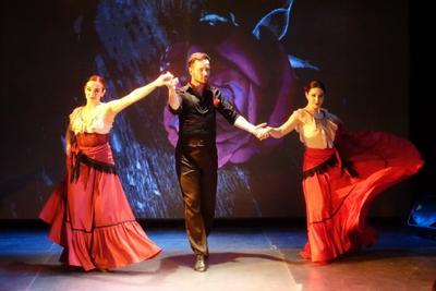 Испанский танец Испанский танец Театр на Коломенской танцоры девушки
