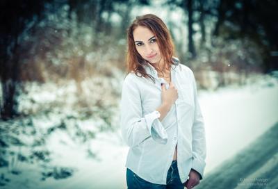Ноябрь ... девушка зима в рубашке портрет