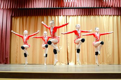 В танце Танец легкость дети